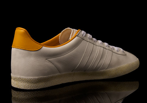 Adidas Gazelle white version